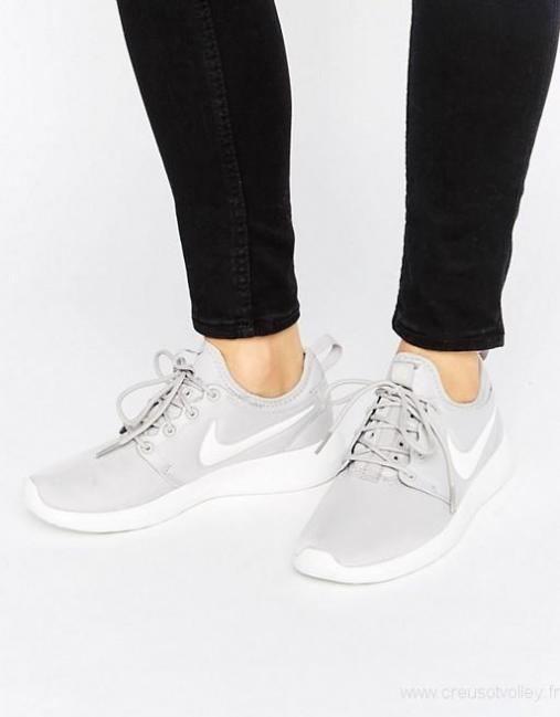 chaussure en toile nike